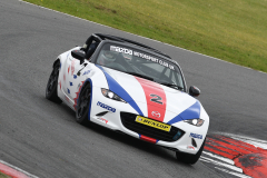 Max5-Racing-R1-11-Jon-Halliwell