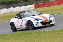 Max5-Racing-R1-19-Jon-Halliwell